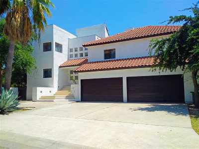 Laredo Single Family Home For Sale: 306 Lake Louise Ct