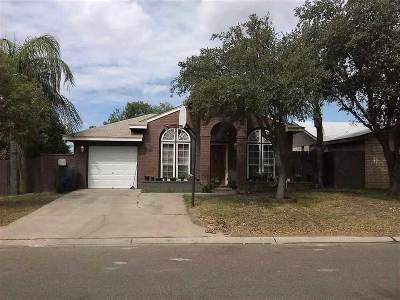 Laredo TX Single Family Home For Sale: $128,000