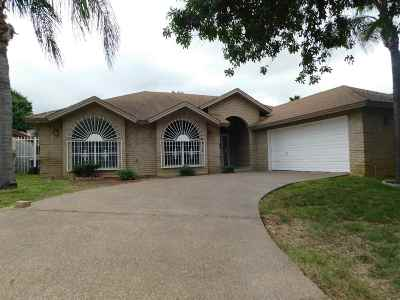 Laredo TX Single Family Home For Sale: $237,500