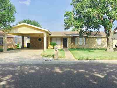 Laredo Single Family Home Option-Show: 4613 Yucca Dr