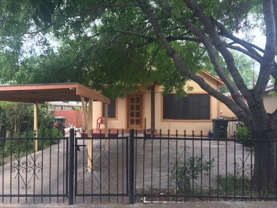 Laredo Single Family Home Option-Show: 1808 1/2 Santa Cleotilde Ave