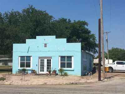 Freer Multi Family Home For Sale: 703 N Norton Hw Norton St