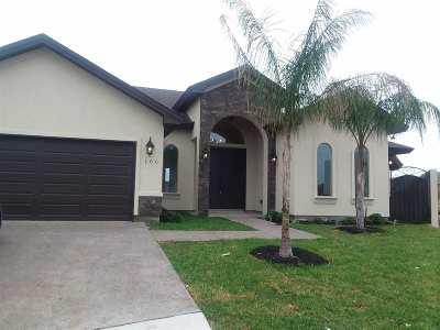 Laredo Single Family Home Active-Exclusive Agency: 106 Pradera Dr.