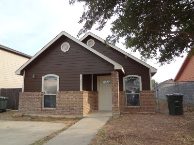Laredo Single Family Home For Sale: 3290 Saint Kathryn Lp