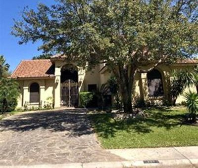 Laredo Single Family Home For Sale: 204 Flathead Lake Dr