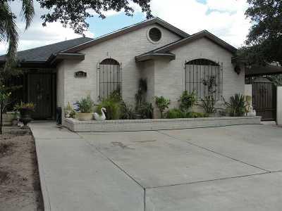 Laredo Single Family Home For Sale: 1315 Quail Creek Rd