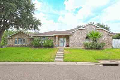 Laredo Single Family Home For Sale: 8615 Melinda Ln