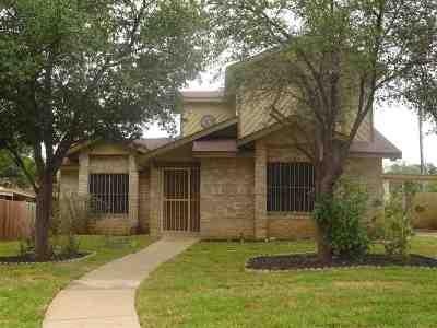 Laredo Single Family Home For Sale: 8702 Puerto Amarante