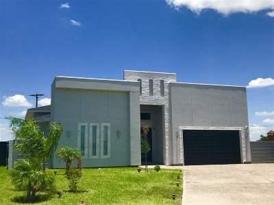 Laredo Single Family Home For Sale: 148 Lake Carnegie Ct.