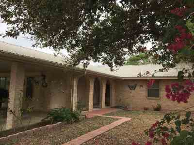 Zapata Single Family Home For Sale: 2373 County Rd
