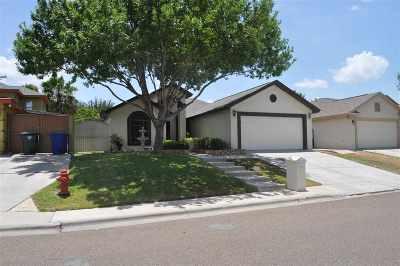 Laredo Single Family Home Option-Show: 1509 Summit Dr