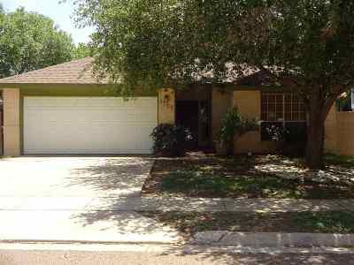 Laredo Single Family Home Option-Show: 1705 Sherwood Dr