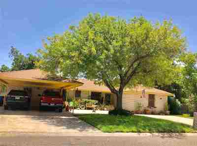 Laredo TX Single Family Home For Sale: $184,000