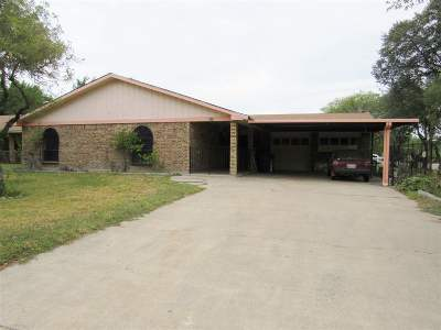 Laredo TX Single Family Home For Sale: $200,000