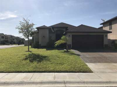 Laredo TX Single Family Home For Sale: $224,000