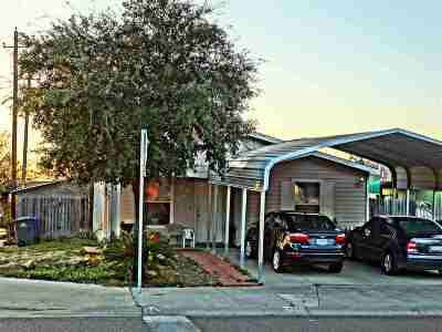 Laredo TX Single Family Home For Sale: $125,000