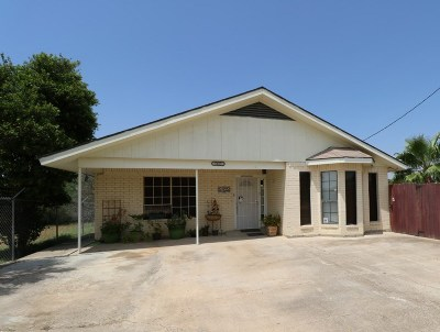 Zapata Single Family Home For Sale: 5405 Victoria Ln.