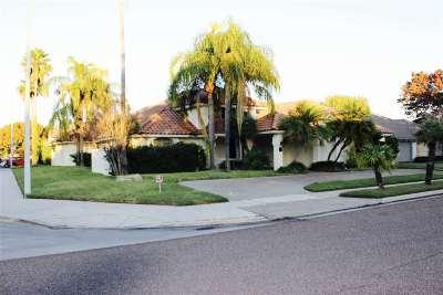 Laredo Single Family Home For Sale: 8419 Mahogany Ct