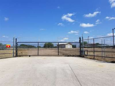 Laredo Rental For Rent: 298 Chicote Rd