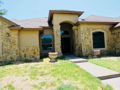 Single Family Home For Sale: 3709 Celita Lp