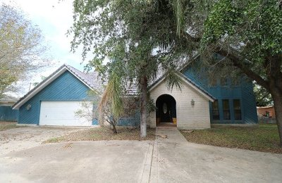 Zapata Single Family Home For Sale: 112 Flores Ave