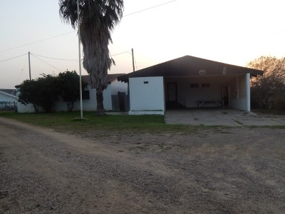 Zapata County Single Family Home For Sale: 322 Military Rd