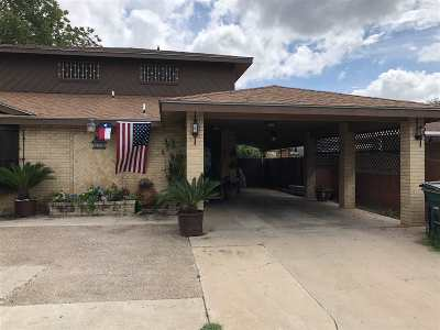 Laredo TX Single Family Home For Sale: $158,990