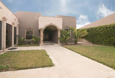 Laredo TX Single Family Home For Sale: $235,000