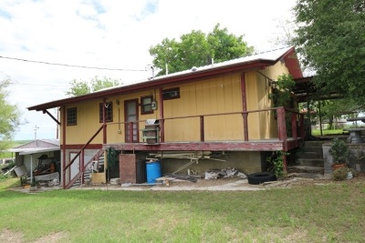 Zapata Single Family Home For Sale: 606 Papaya Dr