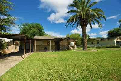 Zapata Single Family Home For Sale: 2367 County Rd