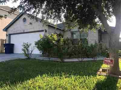 Laredo TX Single Family Home For Sale: $159,000