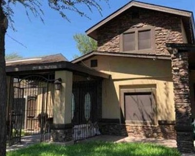 Laredo TX Single Family Home For Sale: $140,000