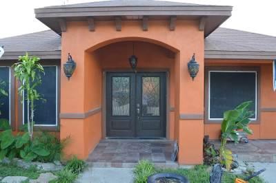 Laredo TX Single Family Home For Sale: $169,000