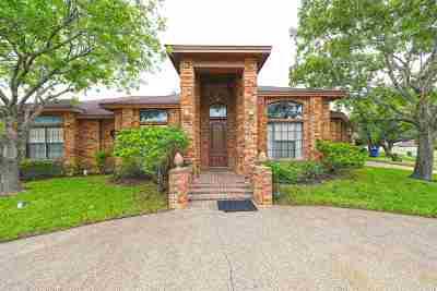 Laredo Single Family Home For Sale: 1307 Glen Ln