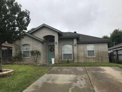 Laredo TX Single Family Home For Sale: $130,000