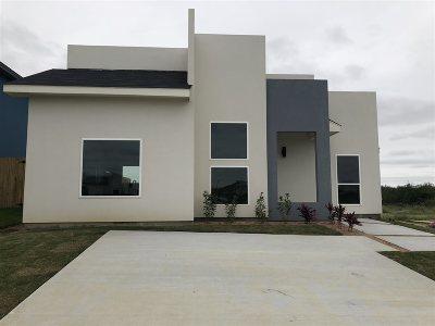 Laredo TX Single Family Home For Sale: $166,000