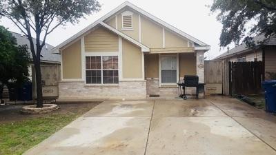 Laredo TX Single Family Home For Sale: $107,000