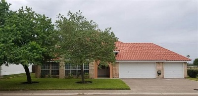 Laredo Single Family Home For Sale: 314 Emerald Lake Dr
