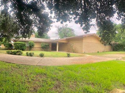 Single Family Home For Sale: 2002 Clark Blvd
