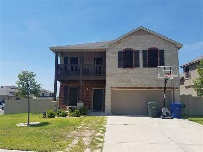 Laredo Single Family Home For Sale: 102 Majestic Palm Dr.