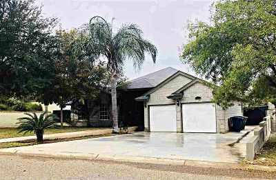 Laredo Single Family Home For Sale: 106 Century Cir