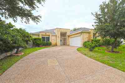 Laredo Single Family Home For Sale: 105 Flathead Lake Dr