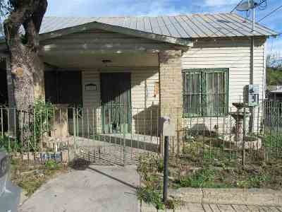 Laredo Single Family Home For Sale: 102 Zaragoza St