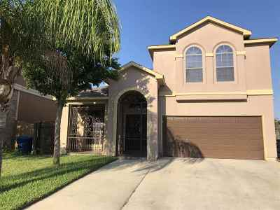 Laredo Single Family Home For Sale: 523 Campanario Ln