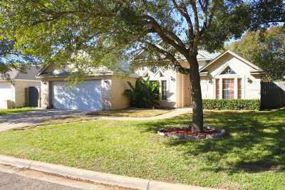 Laredo Single Family Home For Sale: 1706 Sherwood Dr