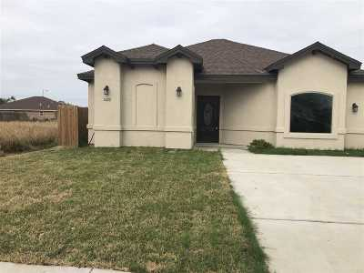 Laredo Single Family Home For Sale: 1422 Wilfrano Dr