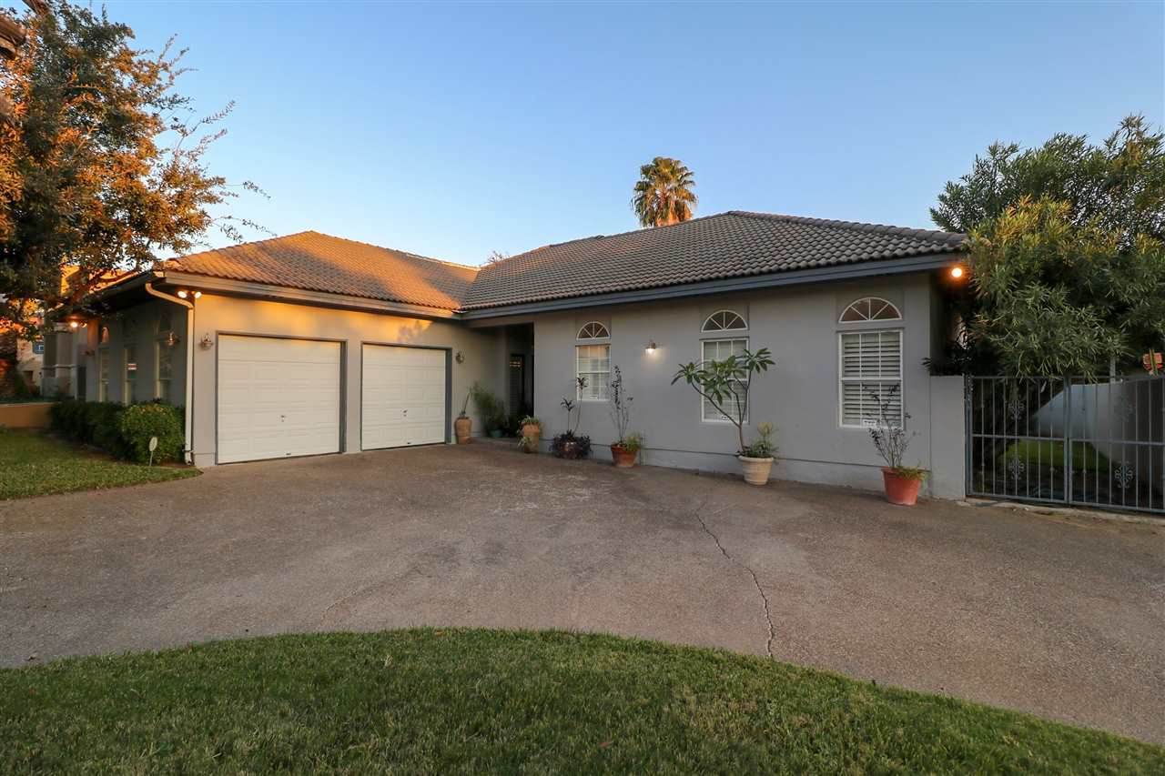 217 Vintage Ln Laredo Tx Mls 20183916 Homes For Sale In