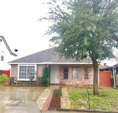 Laredo Single Family Home For Sale: 3228 Saint Kathryn Lp