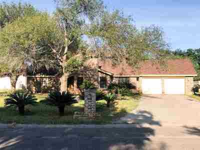 Single Family Home For Sale: 804 Carrol Ln