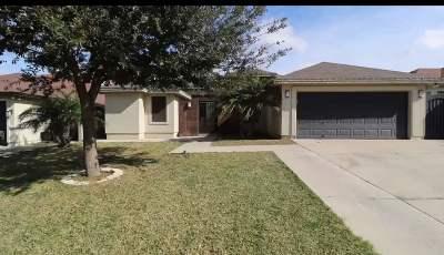 Single Family Home For Sale: 405 Royal Oaks St
